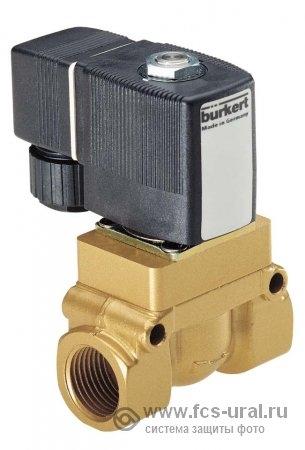 Электромагнитный клапан Burkert модели 5404 (ПЭТ)